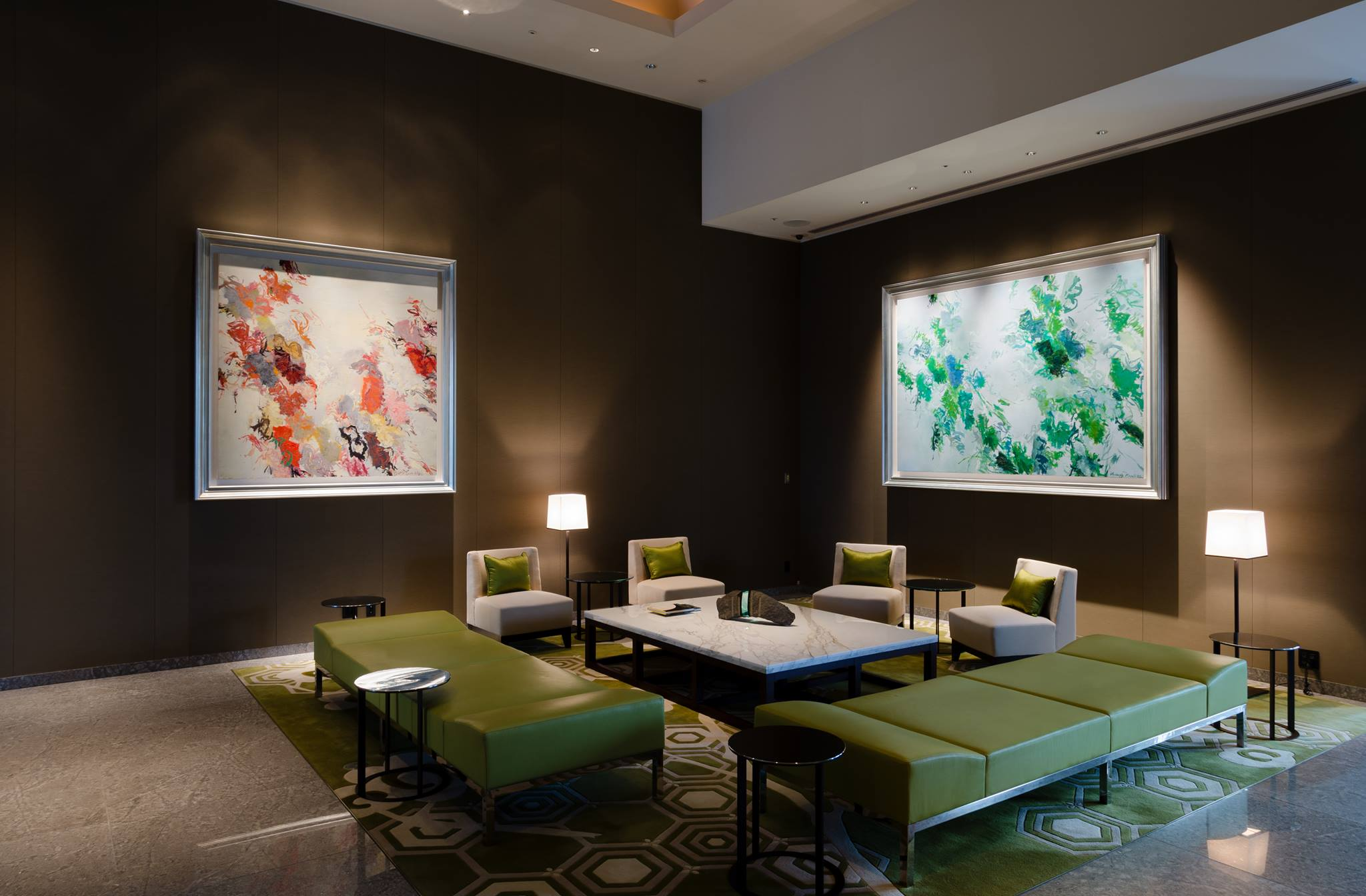 These two pieces in the Reception lobby are by Huang Yuan Qing. In this constantly changing natural world, Huang's paintings are a testament to the fusion of our evolution with nature rather than presenting scenery.