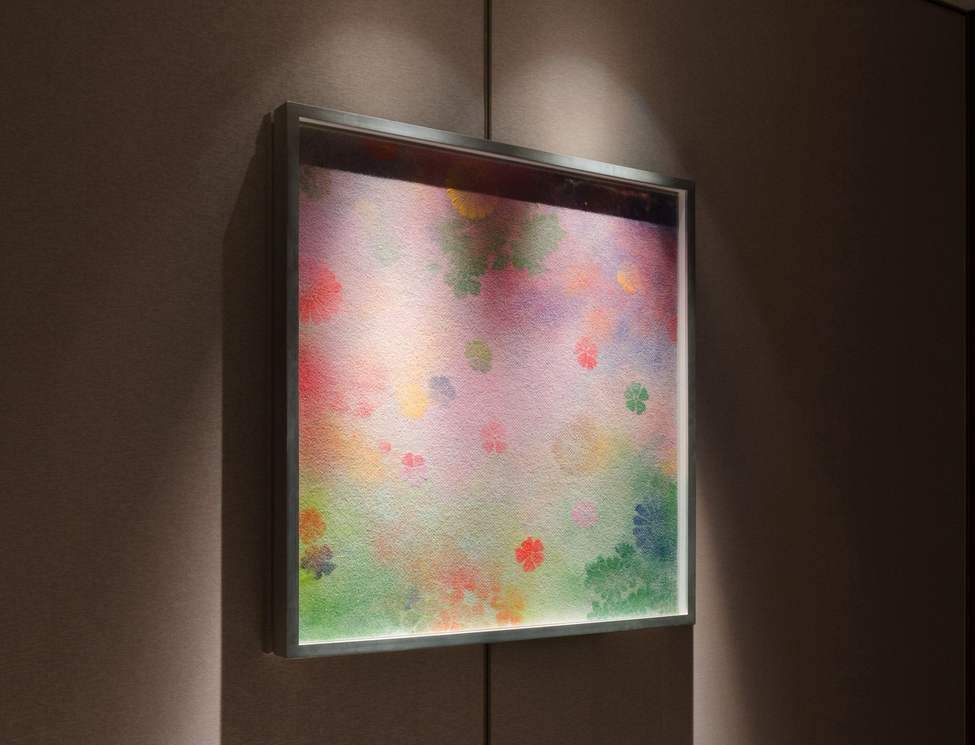 """""""Echoes-Infinity"""" by Shinji Ohmaki, is a flower garden drawn with felt and synthetic mineral pigment. Depicted with traditional flower shapes and patterns, this flower garden lets you feel the change of the season at our Garden Suite from the 22nd floor."""