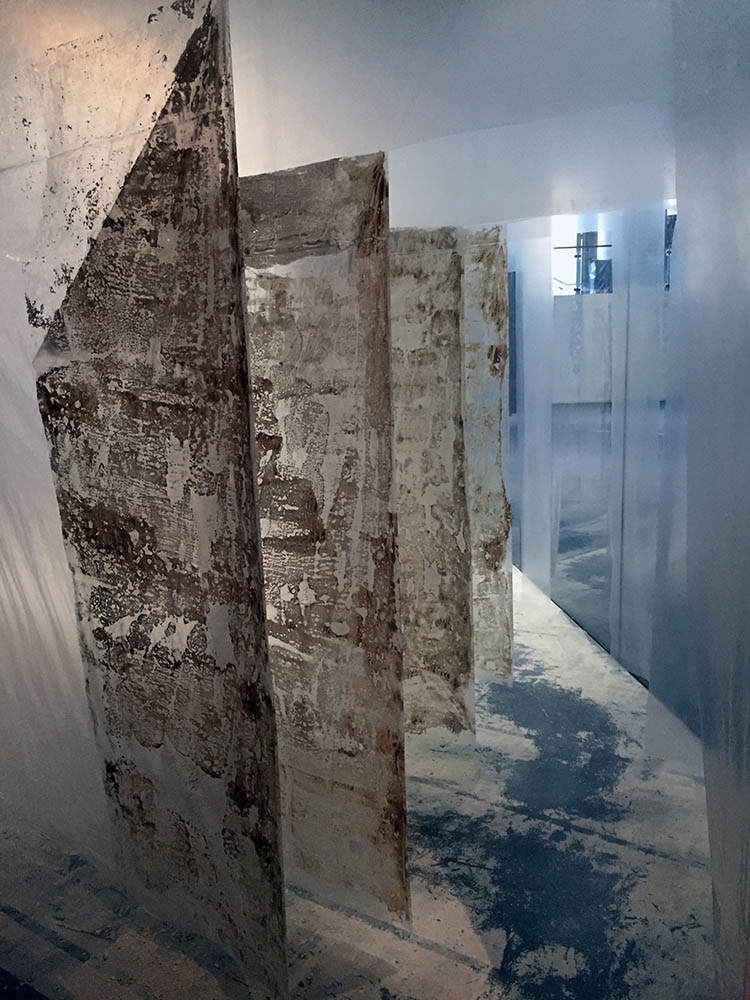 Door (2016)  Kathryn Kng  Polyethylene sheets, clay, aluminium, steel wire  300 x 900 x 600 cm